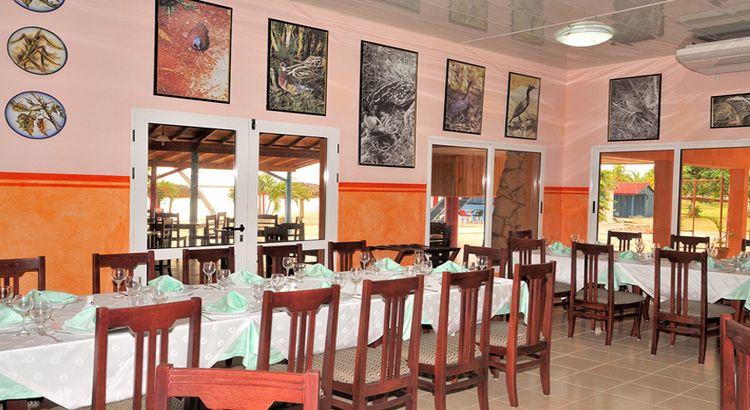 Hotel Playa Larga